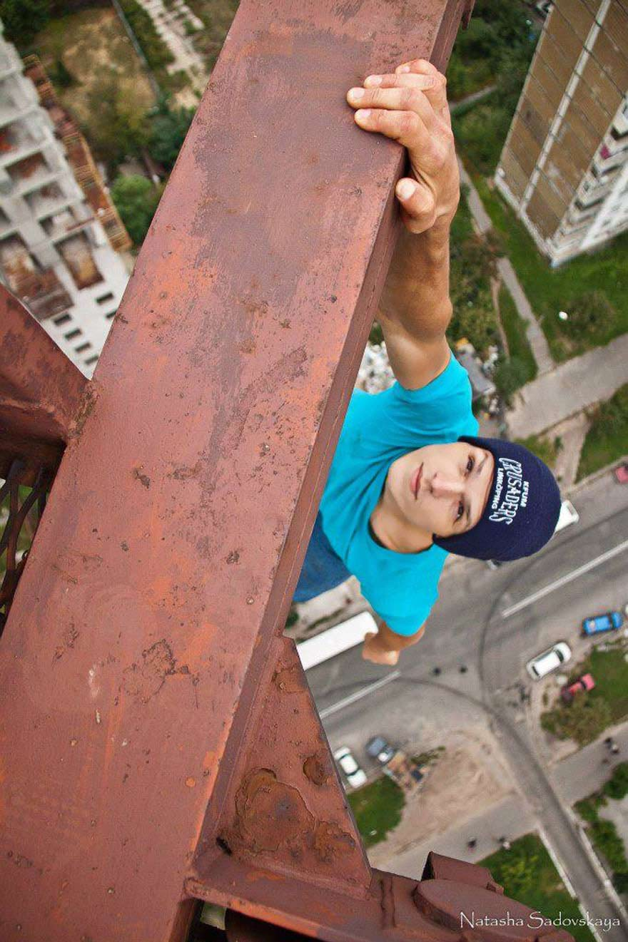 ukrainian-daredevil-hangs-from-buildings-mustang-wanted-11